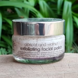 Apricot & Walnut Exfoliating Scrub (The Victorian Garden)