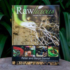 Rawlicious Recipe Book (Soaring Free Superfoods)
