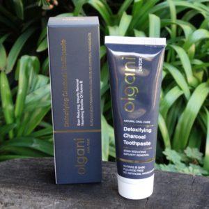 Detoxifying Charcoal Toothpaste (Olgani)